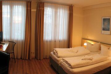 HOTEL & RESTAURANT WEISSER SCHWAN